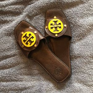 dfe6e3a984a453 Tory Burch Cantaloupe Davy Flat Thong Size 7.5. M 57bf0384a88e7da62501b55b.  Other Shoes you may like. Tory Burch leather sandals
